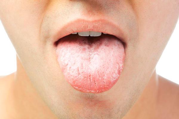 Во рту горечь язык белый
